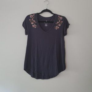 American Eagle Outfitters Tops - AEO Soft and Sexy t-shirt with Embroidery Size XS